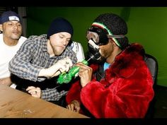 Snoop Dogg getting high with the Sons. Unexpected, but funny as hell!