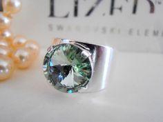 Swarovski Ring Band Ring Chrysolite Green by ParisiJewelryDesigns Swarovski Crystal Rings, Crystal Jewelry, Boho Jewelry, Bridal Cuff, Pearl Cufflinks, Boho Rings, Fashion Rings, Band, Green