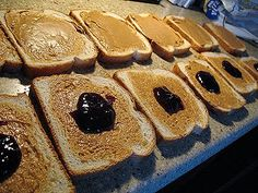 How to Freeze & Use Peanut Butter & Jelly Sandwiches - Amanda's Cookin'