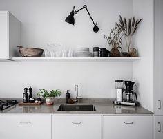modern farmhouse kitchen are offered on our internet site. Diy Kitchen Storage, Home Decor Kitchen, Interior Design Kitchen, Kitchen Dining, Kitchen Hacks, Kitchen Organization, Kitchen Grey, Diy Interior, Ikea Kitchen