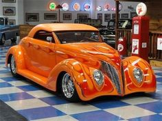 Ford Roadster Street Rod) …This would be my Halloween ride! Love the color! Ford Motor Company, Hot Rods, Ford Roadster, Hot Wheels, Classic Hot Rod, Pt Cruiser, Ford Classic Cars, Chevy Classic, Classic Auto