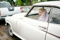 Rainy wedding with vintage car Niki M Photography Rainy Wedding, Farm Wedding, Amazing Transformations, Vintage Cars, In This Moment, Photography, Photograph, Fotografie, Photoshoot
