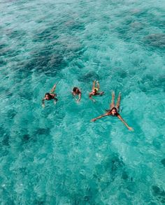 Surfing holidays is a surfing vlog with instructional surf videos, fails and big waves Beach Aesthetic, Summer Aesthetic, Summer Feeling, Summer Vibes, Foto Best Friend, Image Tumblr, Shotting Photo, Summer Dream, Summer Pictures