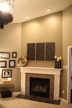 See our dramatic fireplace makeover and the before and after photos at Thrifty Decor Chick! Home Fireplace, Fireplace Remodel, Fireplace Design, Fireplaces, Fireplace Ideas, Fireplace Trim, Fireplace Console, My Living Room, Living Room Decor