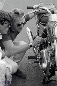 Norton Motorcycle Sparts Specialist - Norton Motorbikes - Norton Motorcycles - Commando - Dominator - Atlas - P11 - Norton Singles