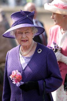 Queen Elizabeth July 2, 2009