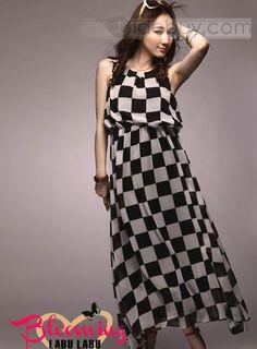 プレミアジャンパー黒と白ドレス