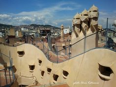 Travel in Clicks: Up to the rooftops Antoni Gaudi, Rooftops, Opera House, Barcelona, City, Building, Travel, Rooftop, Viajes