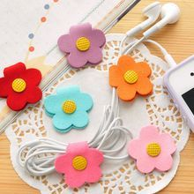 Shop for Home Simply with YesStyle! Wide selection of authentic Home Simply products. FREE Worldwide Shipping available! Diy Crafts For Girls, Felt Crafts Diy, Craft Gifts, Sewing Crafts, Scrap Fabric Projects, Fabric Scraps, Sewing Projects, Leather Bag Tutorial, Felt Ornaments