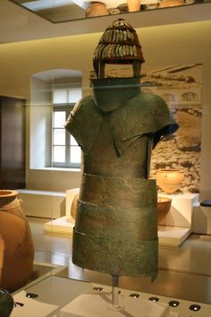 Mycenaean Bronze Armour (Illustration) - Ancient History Encyclopedia