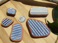 Le righe in tono blu o su base blu genuina di GlassAndSeaStones