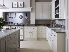 A visit to our kitchen showroom in Tunbridge Wells allows you to experience the stunning quality of our luxury kitchens and speak with one of our designers. Bespoke Kitchens, Luxury Kitchens, Martin Moore Kitchens, Kitchen Showroom, English Country Style, English Kitchens, Tunbridge Wells, Handmade Kitchens, Georgian Homes