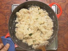 Upma recipe - Step by step recipe with video to make fluffy, non-sticky & good south Indian rava upma at home with basic ingredients. South Indian Breakfast Recipes, Indian Food Recipes, Ethnic Recipes, Savory Breakfast, Vegetarian Breakfast, Spices And Herbs, Clarified Butter, Chutney, Recipes