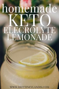 Fight the keto flu and stay hydrated while in ketosis with this simple homemade keto electrolyte lemonade recipe. Fight the keto flu and stay hydrated while in ketosis with this simple homemade keto electrolyte lemonade recipe. Ketogenic Recipes, Low Carb Recipes, Diet Recipes, Slimfast Recipes, Recipes Dinner, Keto Chia Seed Recipes, Punch Recipes, Healthy Recipes, Paleo Dinner