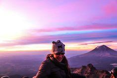 amanecer en el Iztaccihuatl con el Popocatepetl al fondo