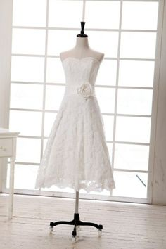 short strapless vintage lace dress | Vintage+Inspired+Tea+Length+Short+Lace+Wedding+Dress+by+avivaly,+$149 ...