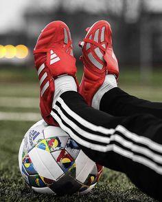 Adidas Football, Football Shoes, Football Cleats, Nike Soccer, Adidas Predator, Adidas Cleats, Adidas Sneakers, Michael Jordan, Soccer Shoes