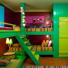 10 dormitorios infantiles compartidos con mucho color