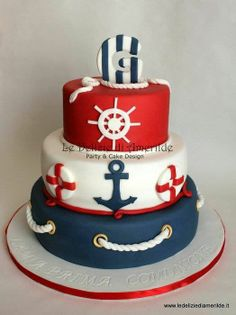 Loving this cute nautical themed cake! Perfect for a 4th of July by the beach or a fun sailor inspired birthday!.