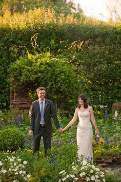 Rustic garden wedding (photo: Joie du Jour Photography)