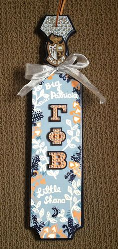 21 inches x 5.5 inches oak Paddle. Rush service is available for a fee of 15% of total. (Paddles cannot be made for Alpha Delta Pi, Alpha Eta Rho, Alpha Gamma Delta, Alpha Kappa Psi, Alpha Omicron Pi,