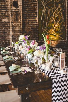 #tablescapes | Photography by michaelmoss.com |  Design + Planning by eventsbylafete.com |  Floral Design by freshaffairs.com |  Read more - http://www.stylemepretty.com/2013/07/16/raleigh-wedding-from-events-by-la-fete-michael-moss-photography/