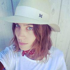 Alexa Chung au naturel sans maquillage sur Instagram