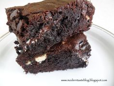 Brownie decadente de triple chocolate