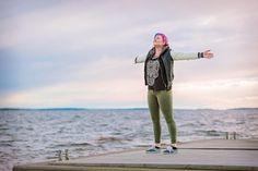 """Sanna """"Sana"""" Rönnberg haluaa tehdä poppiräpistä ison jutun ja todistaa, että Oulussa asuva artisti voi menestyä."""