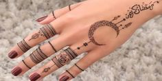 Ramadan Mubarak Beautiful henna by my favourite Henna Hand Designs, Eid Mehndi Designs, Mehndi Designs Finger, Henna Tattoo Designs Simple, Mehndi Design Photos, Mehndi Designs For Fingers, Beautiful Mehndi Design, Latest Mehndi Designs, Arabic Henna Designs