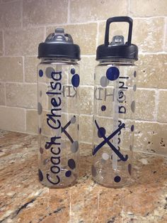 Personalized Field Hockey Water Bottles Team by AtoZVinylCreations Coach Gifts, Team Gifts, Hockey Outfits, Hockey Cakes, Field Hockey Sticks, Secret Sister Gifts, Senior Night Gifts, Hockey Coach, Spirit Gifts