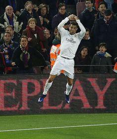 """El Clasico"": FC Barcelona - Real Madrid 1:2 | Ramos fliegt, Ronaldo-Tor schockt Barca - Bild.de"