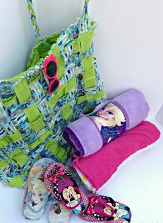 Woven Rag Beach Bag Tutorial | Sew Mama Sew | Outstanding sewing, quilting, and needlework tutorials since 2005.