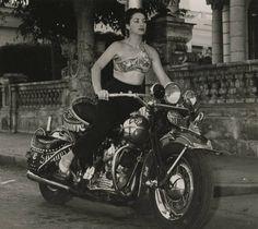 Lina Salome, 1956, Cuban singer and actress.