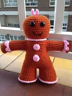 Free pattern gingerbread man or change the color scheme and you make some other stuffy