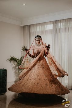 Selling your bridal lehenga? Well, it may sound like a familiar yet unconventional concept but if you are a bride in quarantine, what better thing to do then to browse some options where you can sell. Pakistani Wedding Outfits, Indian Bridal Outfits, Bridal Dresses, Indian Wedding Planning, Wedding Planning Websites, New Designer Dresses, Best Mehndi Designs, Wedding Vendors, Weddings