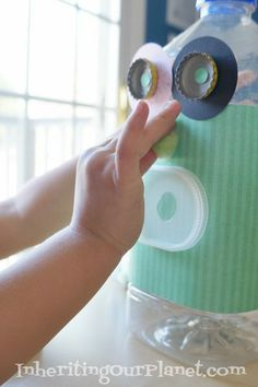 Recycled Plastic Jug Robot Bank Kids Craft #recycledcrafts