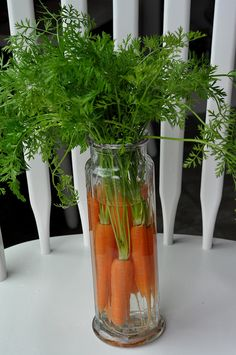 carrots in a jar...amazing Easter centerpiece! Photo idea only
