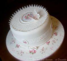 Donatella Semalo: decorated cakes Fondant Royal Icing