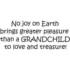 Ninguna Alegria Sobre La Tierra Trae El Placer Mayor Que Un Nieto Para Gustar Y