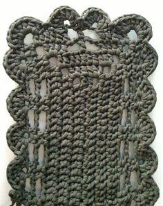 Alfombra de trapillo verde para baño #trapillo #DIY #crochet #alfombra