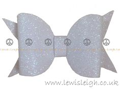 Handmade Glitter bow www.lewisleigh.co.uk #bow #hairaccessories #lewisleigh