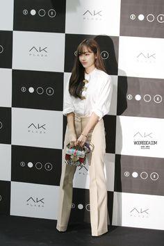 Jessica Jung Jessica & Krystal, Krystal Jung, Star Fashion, Daily Fashion, Fashion Beauty, Jessica Jung Fashion, Ex Girl, Ice Princess, Star Wars