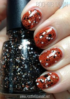 This is the perfect polish look for Halloween!