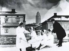 Senior physician Arvo Ylppö and Children's Hospital nurses (Lastenlinnan henkilökuntaa). The Old Days, Childrens Hospital, Historical Pictures, Helsinki, Good Old, Old Photos, Finland, The Past, Old Things