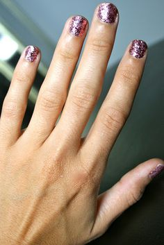 DIY Glitter nails... Why didn't I think of this?!