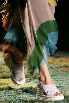 Dries Van Noten Spring 2015 Ready-to-Wear - Front-row - Gallery - Look 1 - Style.com