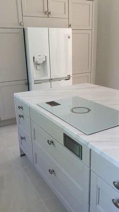 Kitchen Design Open, Kitchen Cabinet Design, Kitchen Storage, Kitchen Cabinets, Bathroom Interior Design, Interior Design Living Room, Kitchen Island Lighting, 3d Home, House Inside