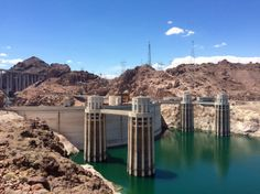 With over 2,000 MW of installed capacity, the Hoover Dam was the largest dam in the world when it was built in the 30's. It currently supplies around 15% of Las Vegas' electricity #HooverDam #Arizona #Nevada #USA #RTW #JulesVernex2