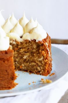 Banana Cake with Honey Cream Frosting, what a cute way to frost the top! *